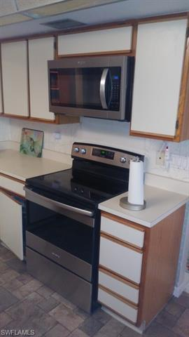IMAGE 8 FOR MLS #221052063   7430 LAKE BREEZE DR #302, FORT MYERS, FL 33907