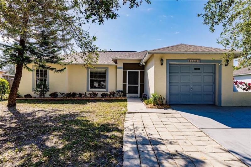 Photo of 15558 Horseshoe Lane, Fort Myers, FL 33905