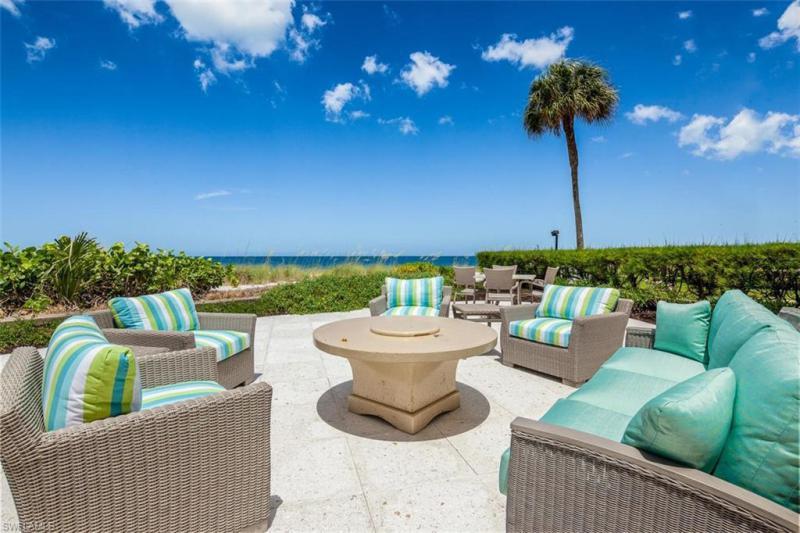 2777 N Gulf Shore,  Naples, FL