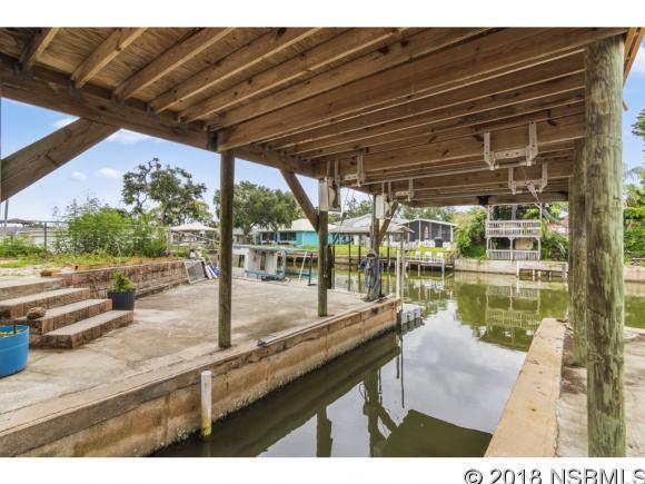 247 E Ariel Rd,  Oak Hill, FL