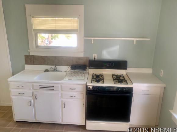 204 Andrews St, New Smyrna Beach, FL, 32168