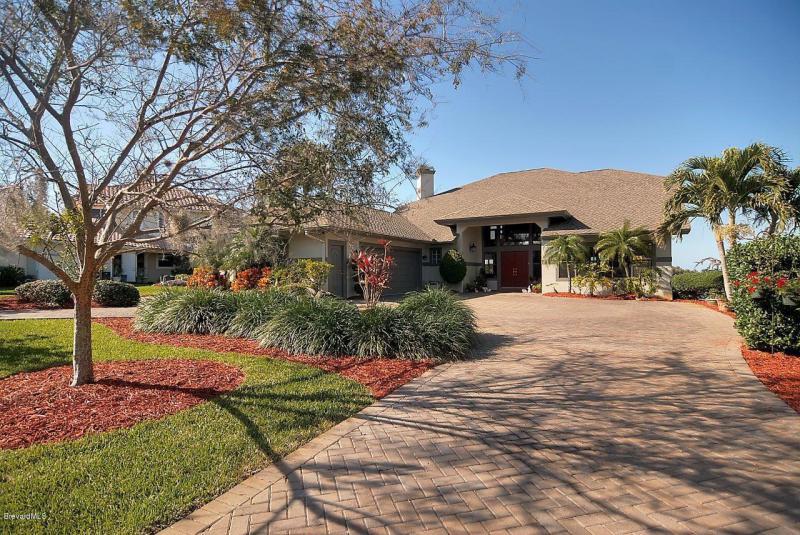 340 Bay Point Melbourne, Florida 32935
