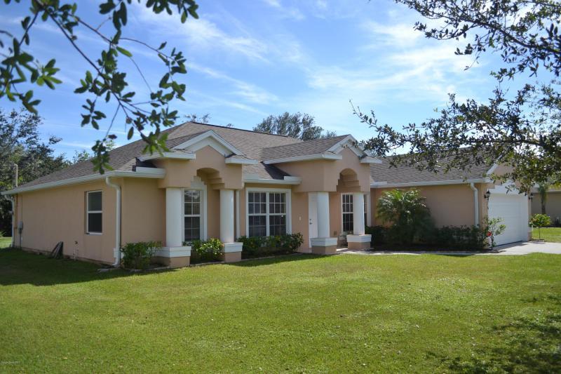 Photo of 176 Spring Valley Avenue, Sebastian, FL 32958
