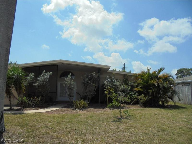 2118  Flora,  Fort Myers, FL