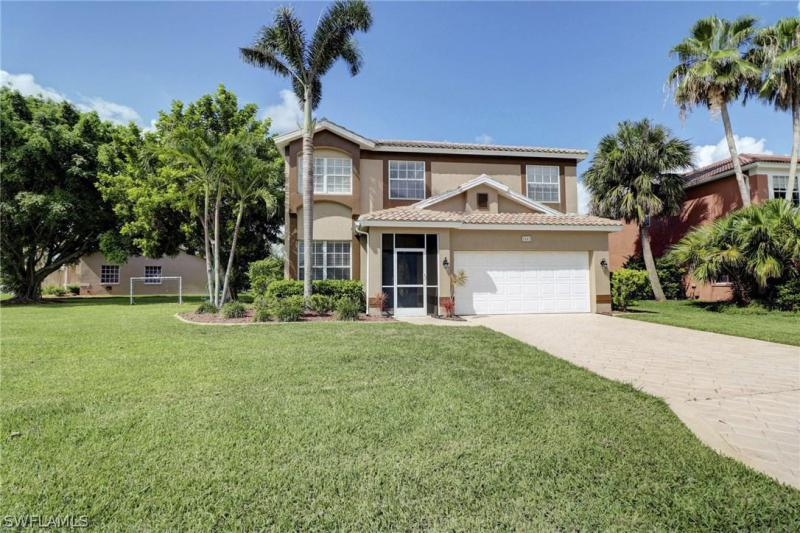 13760  Silver Lake CT, Fort Myers, FL 33912-