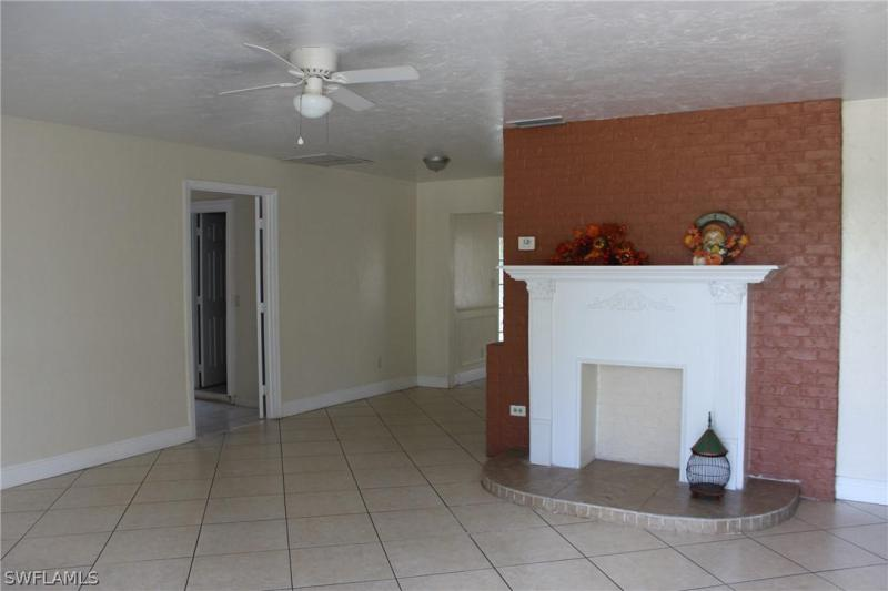 18189  Iris RD, Fort Myers, FL 33967-