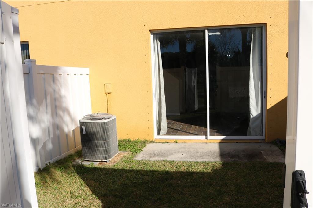 3637 Pine Oak 102, Fort Myers, FL, 33916