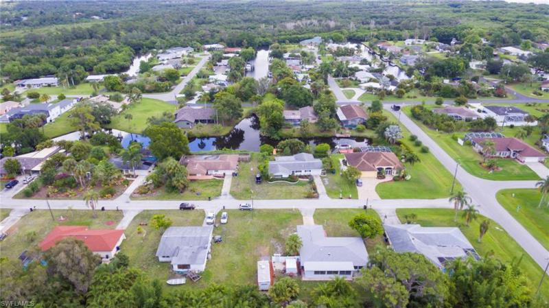 2411 N Westwood Dr, Fort Myers, Fl 33917