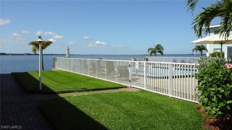 3328 N Key E, North Fort Myers, FL, 33903