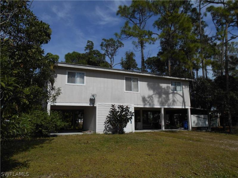 18573  Oriole RD, Fort Myers, FL 33967-
