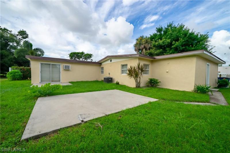 1754 Magnolia, North Fort Myers, FL, 33917