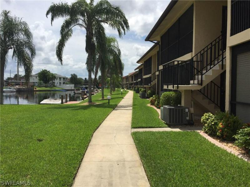 1104 8th ST, Cape Coral, FL 33990