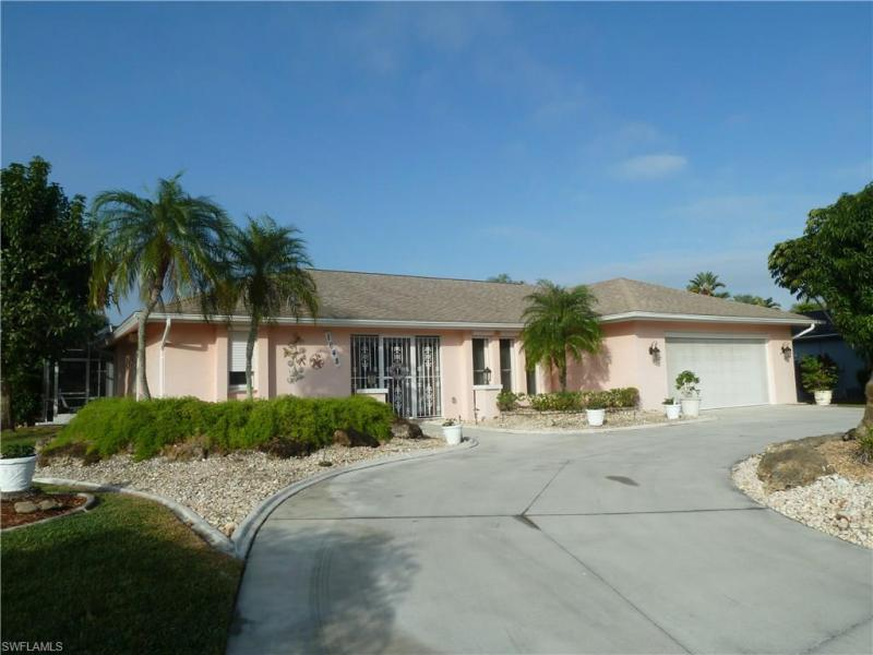 5227 Selby DR, Fort Myers, FL 33919