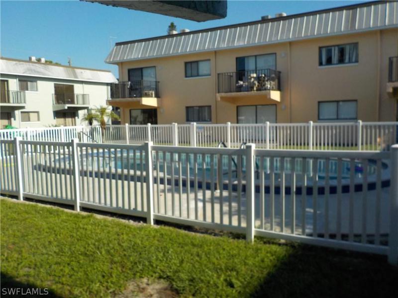 2950  Royal Palm AVE Unit 107, Fort Myers, FL 33901-