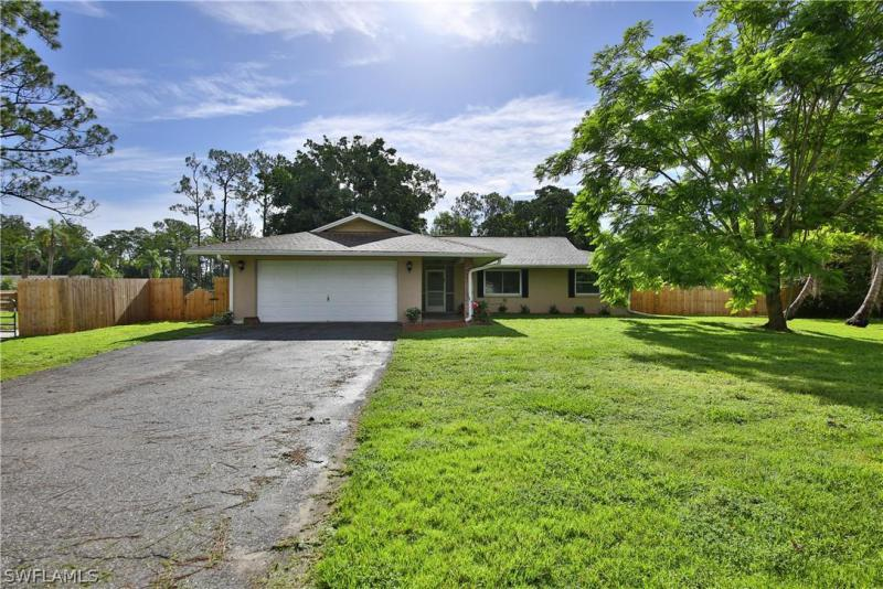 Plantation, Fort Myers in Lee County, FL 33966 Home for Sale