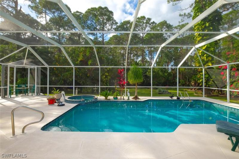 809  Robert,  Lehigh Acres, FL