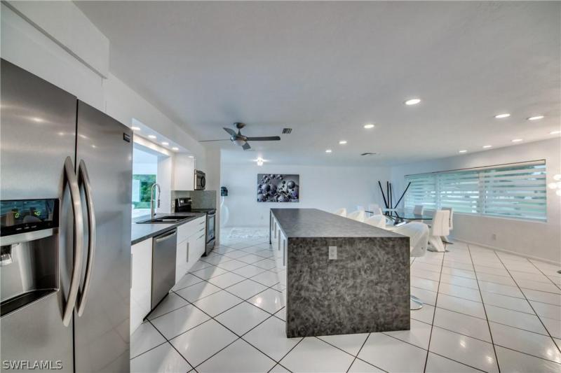 5757  Riverside,  Cape Coral, FL