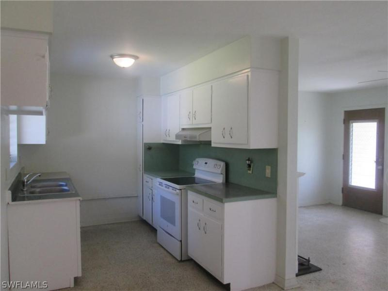 2081  Linwood AVE Alva, FL 33920- MLS#219036536 Image 10