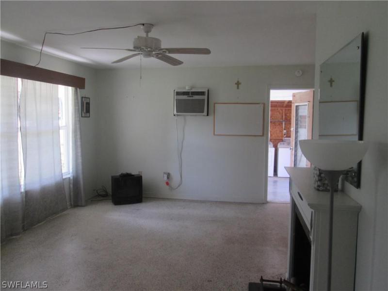 2081  Linwood AVE Alva, FL 33920- MLS#219036536 Image 12