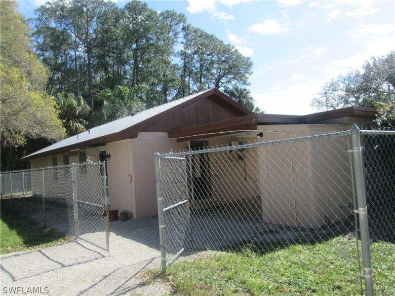 2081  Linwood AVE Alva, FL 33920- MLS#219036536 Image 3