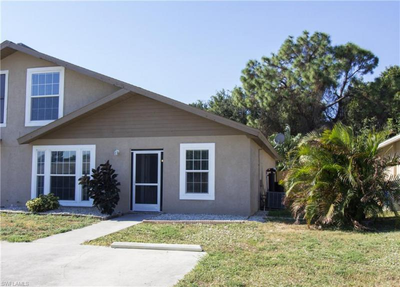 17128 Lee RD, Fort Myers, FL 33967