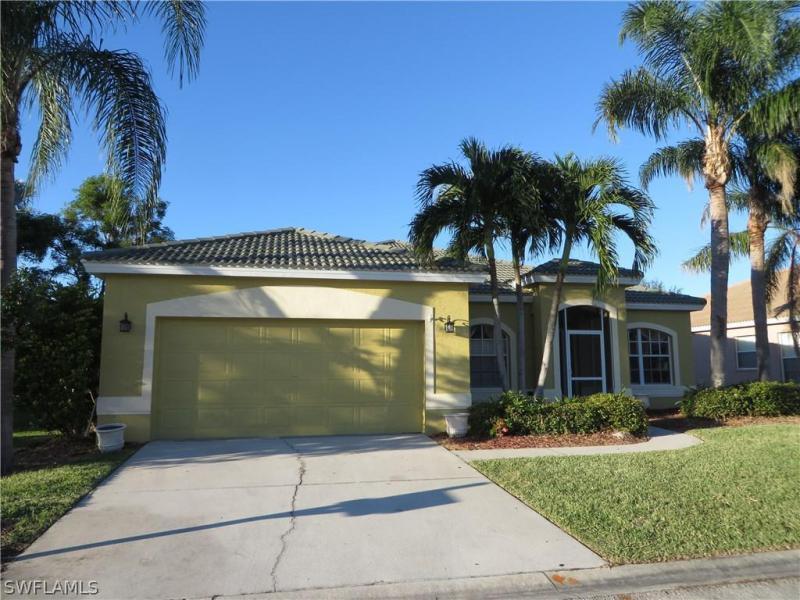 11104  Lakeland CIR, Fort Myers, FL 33913-