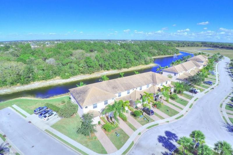 1399 Weeping Willow CT, Cape Coral, FL 33909