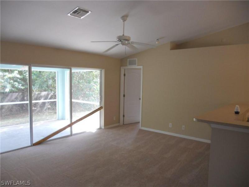 733 Brannen AVE Lehigh Acres, FL 33974 photo 2