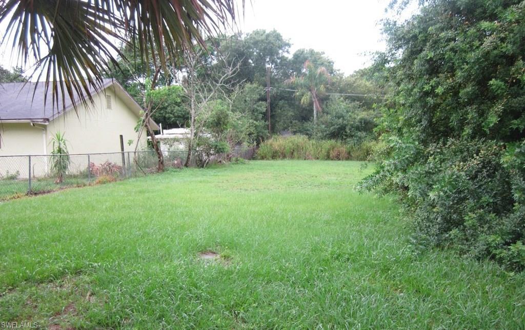 509  Raintree CT, Lehigh Acres, FL 33974-