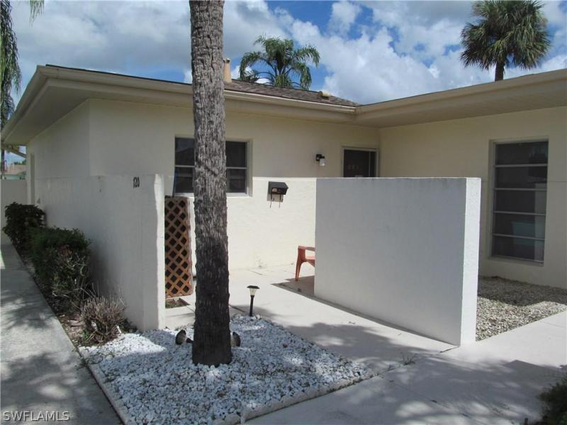 3165  Royalston AVE Unit 102, Fort Myers, FL 33916-
