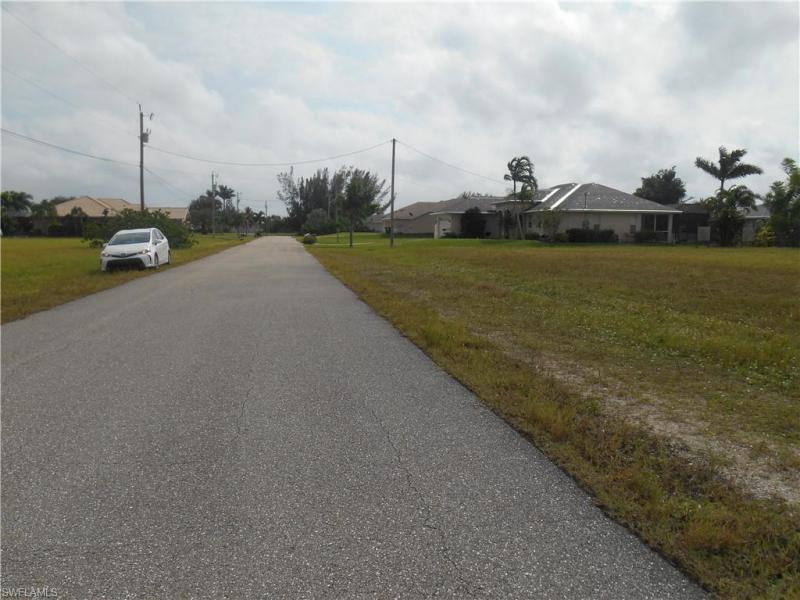 1033 Nw 35th Place, Cape Coral, Fl 33993