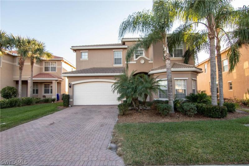 10467  Winged Elm LN, Fort Myers, FL 33913-