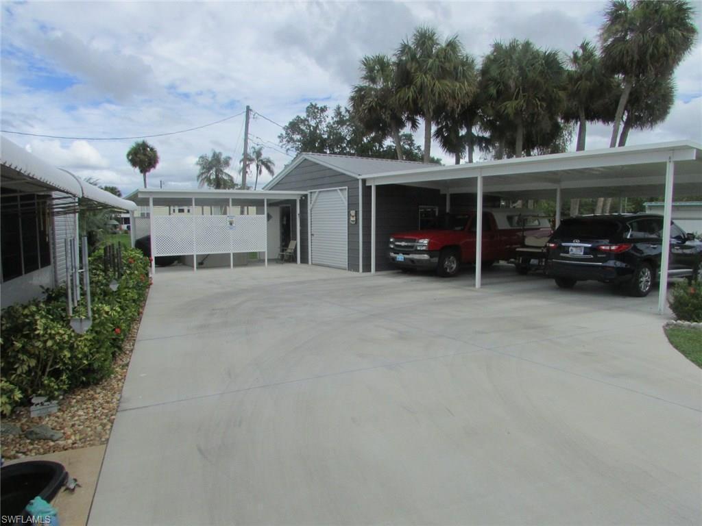 227  lantern,  North Fort Myers, FL