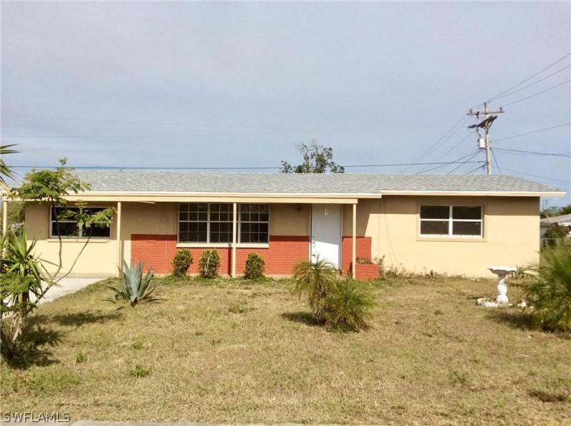 15 W Leeland Heights,  Lehigh Acres, FL