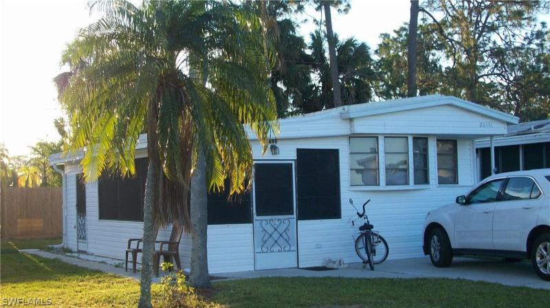 20131  Cumberland CT, Estero, FL 33928-