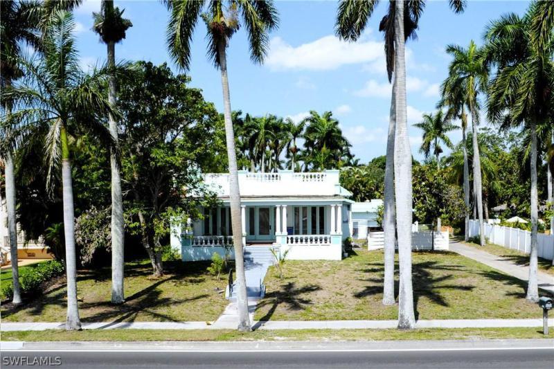 RIVERSIDE Fort Myers
