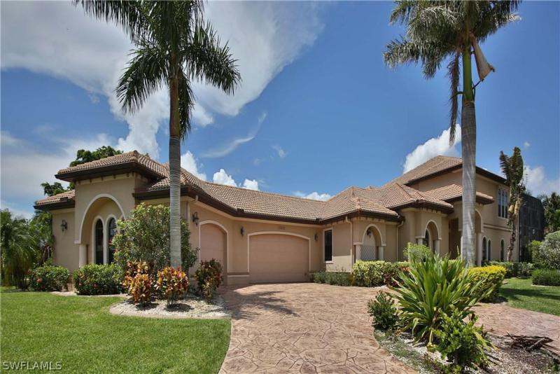 14900  Laguna,  Fort Myers, FL