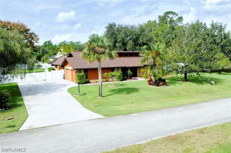 217  Jackson,  Lehigh Acres, FL