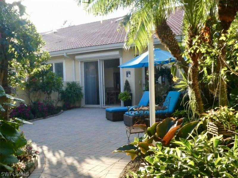 2326 Magnolia LN 6104 Naples, FL 34112 photo 3