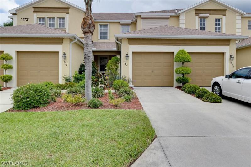 14782  Calusa Palms DR Unit 102, Fort Myers, FL 33919-