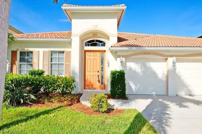 932  Golden Pond CT, Cape Coral, FL 33909-