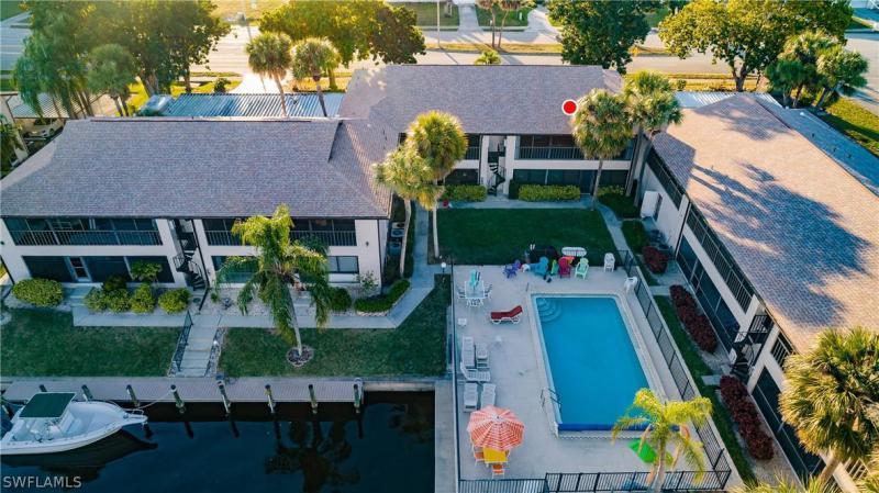 3935 Country Club Blvd #20, Cape Coral, Fl 33904