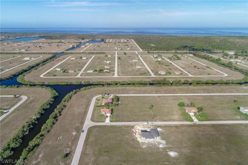 4013 Nw 36th Place, Cape Coral, Fl 33993