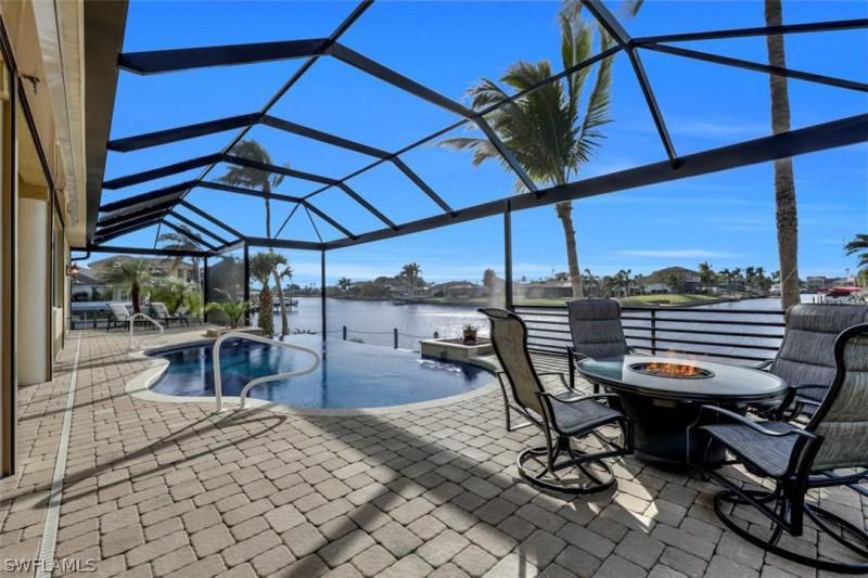 2212 SE 27th,  Cape Coral, FL