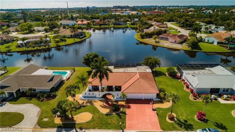Town And River, Fort Myers, Florida