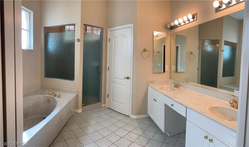 10551 Curry Palm Ln, Fort Myers, Fl 33966