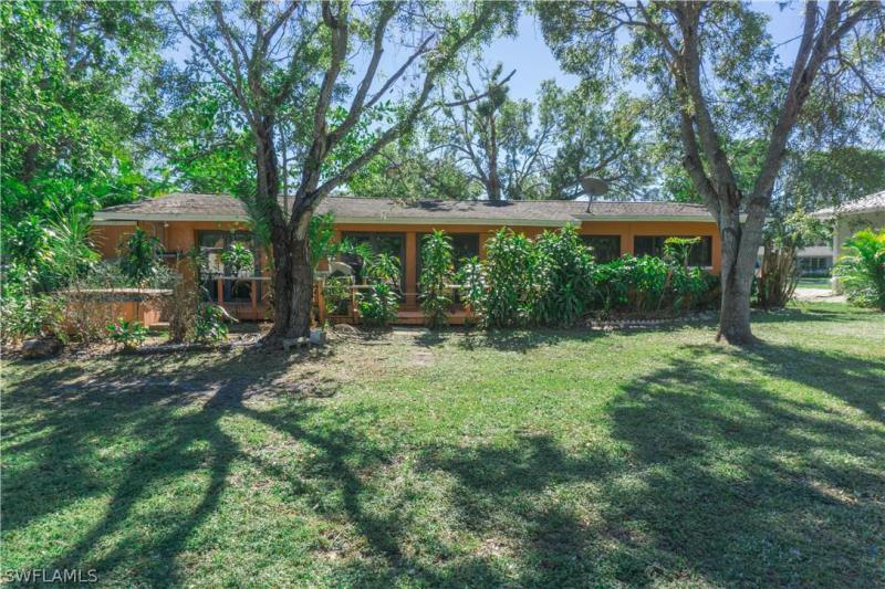 Carlene, Fort Myers in Lee County, FL 33901 Home for Sale