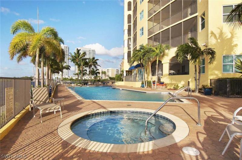 2797 1st 1805, Fort Myers, FL, 33916