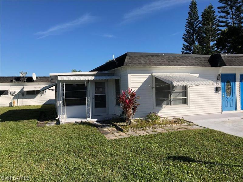 29  Tangerine CT Lehigh Acres, FL 33936- MLS#220010639 Image 2