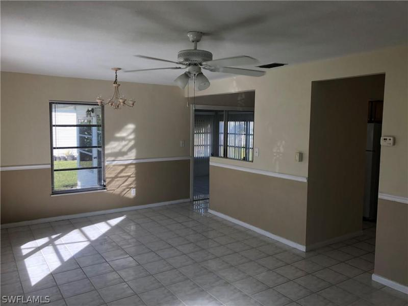 29  Tangerine CT Lehigh Acres, FL 33936- MLS#220010639 Image 3
